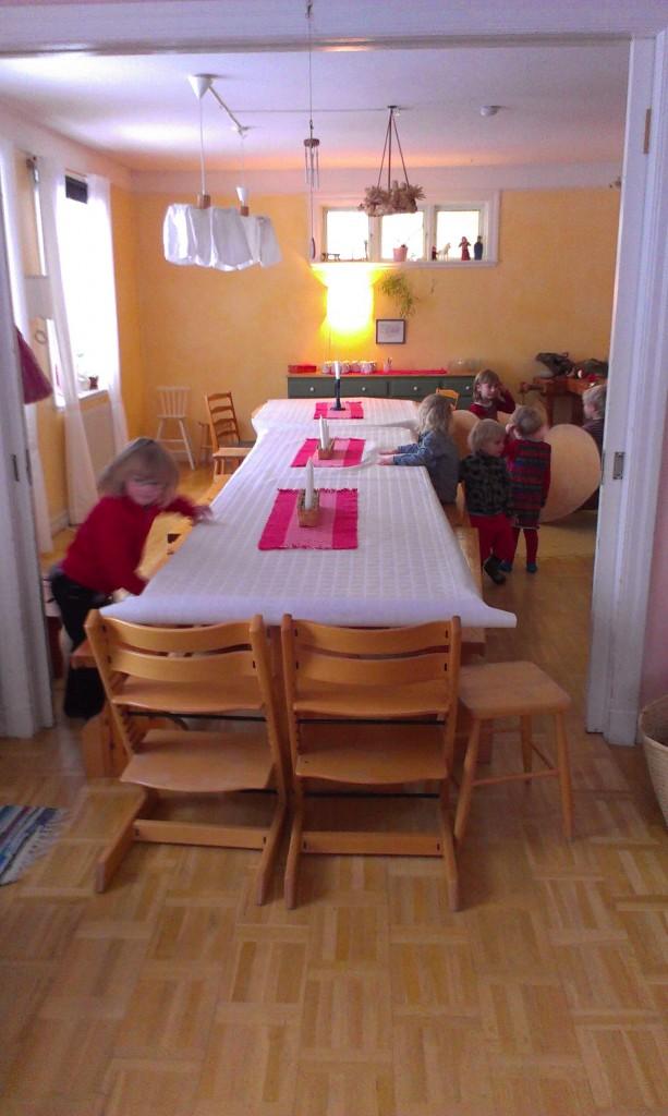 Barnen förbereder festen